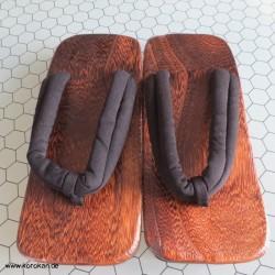 Geta mit Baumwollbändern -...